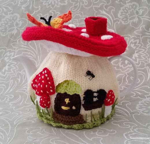 Makerist - Fairy Mushroom Tea Cosy for an average 4-6 cup tea pot - Knitting Showcase - 1
