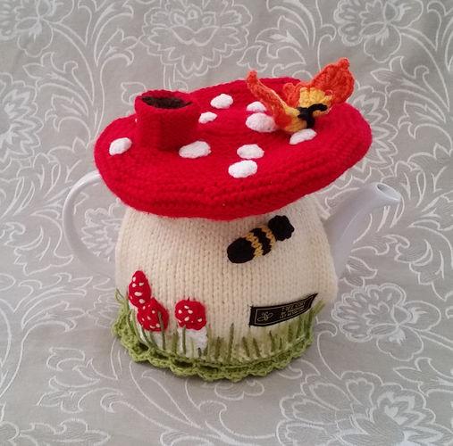 Makerist - Fairy Mushroom Tea Cosy for an average 4-6 cup tea pot - Knitting Showcase - 2