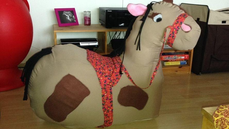 Makerist - Beni- meine Tochter wünschte sich ein braunes Pferd, das ganz schnell reitet😉 - Nähprojekte - 1