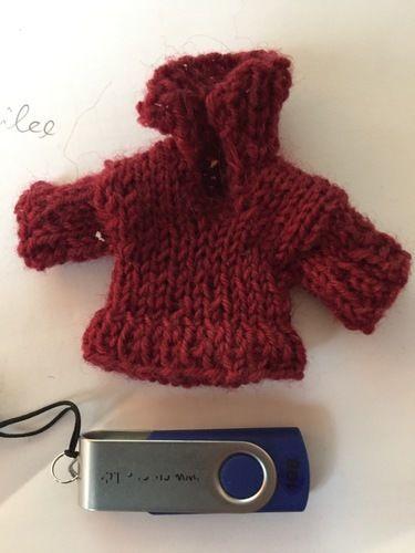 Makerist - ein Minipullover - Strickprojekte - 1