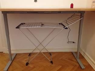 Näh- und Zuschneidetisch in einem,  Buchenleimholzplatte 4x90x220cm und elektrisches Tischgestell