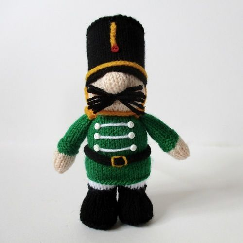 Makerist - Nutcracker Prince - Knitting Showcase - 1