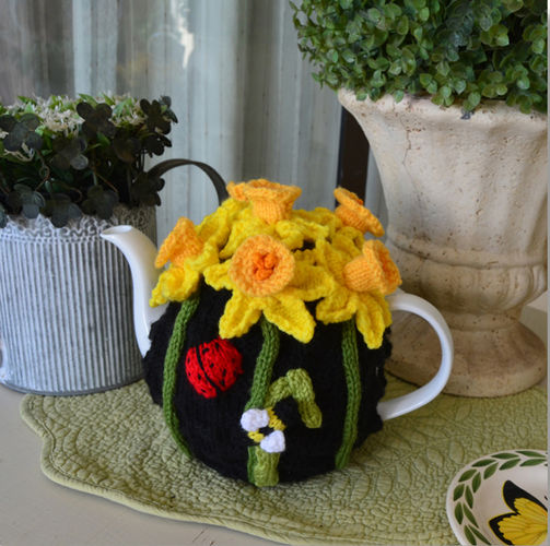 Makerist - Daffodil Tea Cosy - Knitting Showcase - 1