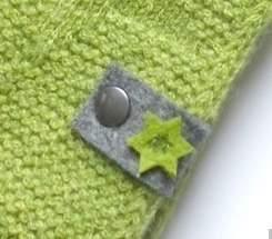 Filz-Label mit kleinen Sternen in grün