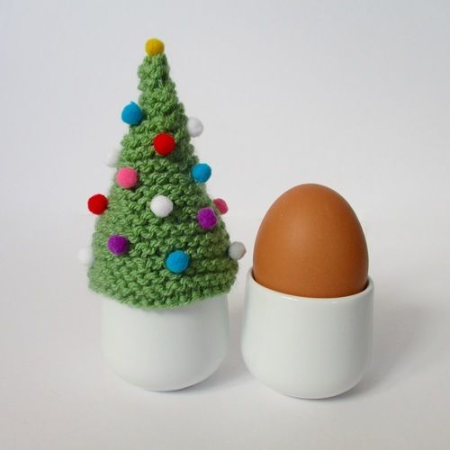 Makerist - Christmas Tree Egg Cosy - Knitting Showcase - 1