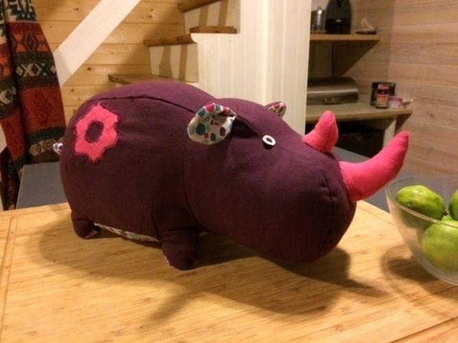 Makerist - Petit Rhino pour Rita - Créations de couture - 1
