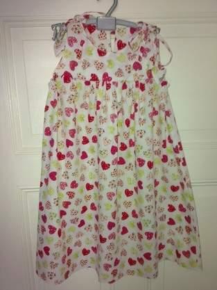 Kleidchen für Teri. Aus Baumwolle. Eigentlich mein erstes Werk.