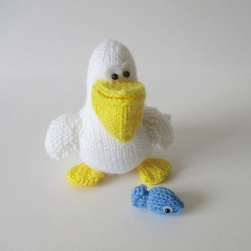 Makerist - Percy the Pelican - Knitting Showcase - 1