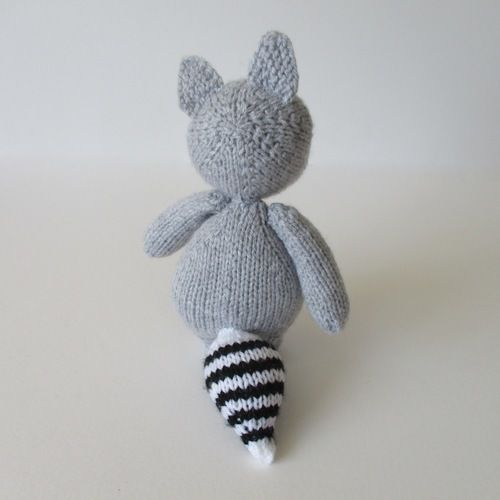 Makerist - Ricky the Raccoon - Knitting Showcase - 2