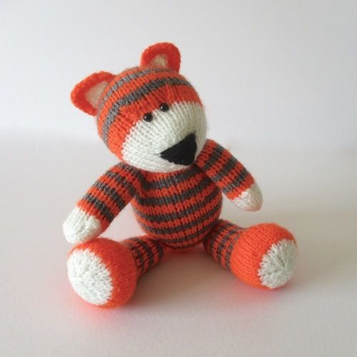 Makerist - Toby the Tiger - Knitting Showcase - 1