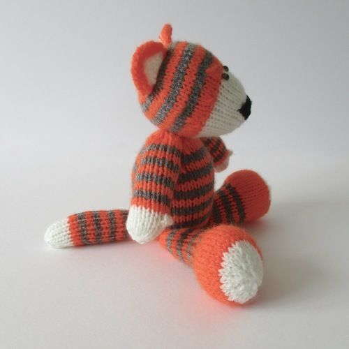 Makerist - Toby the Tiger - Knitting Showcase - 2