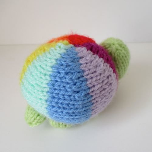 Makerist - Rainbow Tortoise - Knitting Showcase - 2