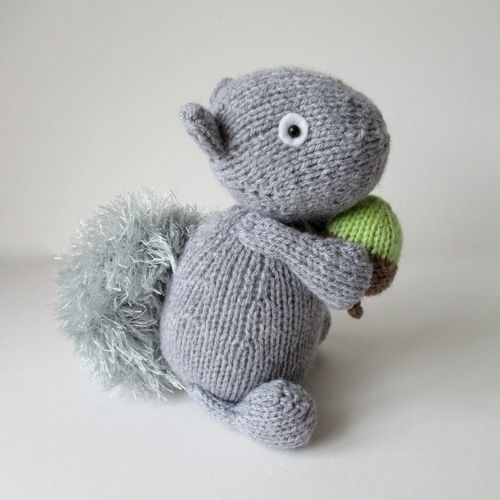 Makerist - Finsbury Squirrel - Knitting Showcase - 1