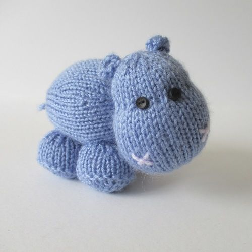 Makerist - Higgins the Hippo - Knitting Showcase - 1