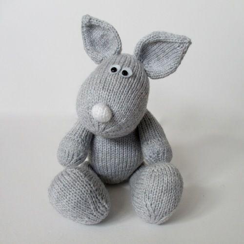 Makerist - Henry Rabbit - Knitting Showcase - 3