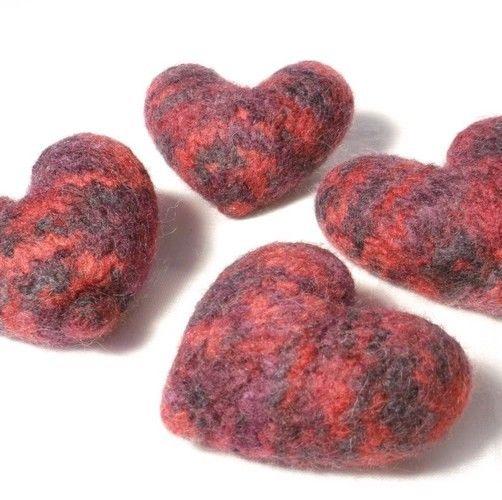Makerist - Cuddly Love Hearts - Knitting Showcase - 1