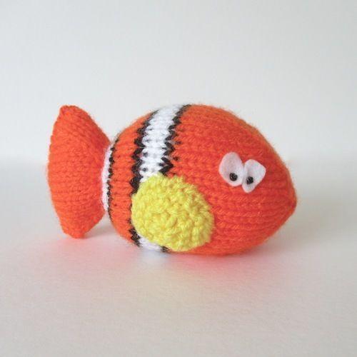 Makerist - Clown Fish - Knitting Showcase - 1