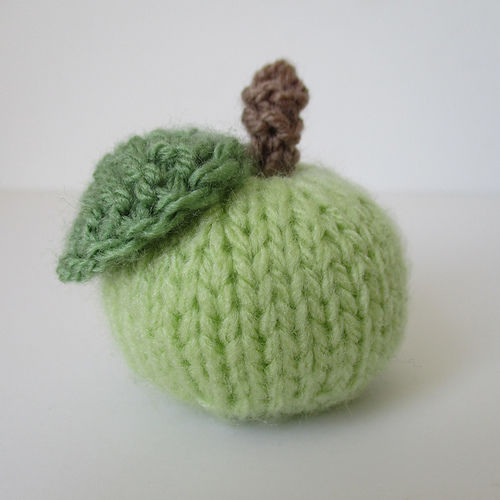 Makerist - Little Apple - Knitting Showcase - 1