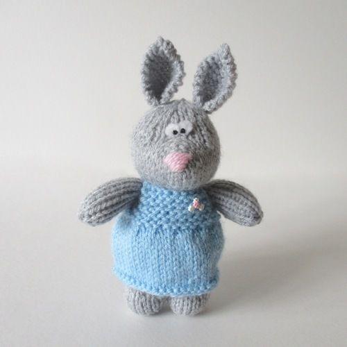 Makerist - Millie the Rabbit - Knitting Showcase - 1