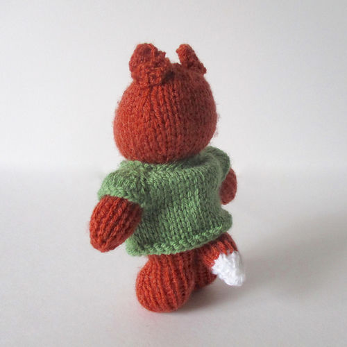 Makerist - Robbie the Fox - Knitting Showcase - 2