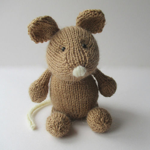 Makerist - Putney Mouse - Knitting Showcase - 1