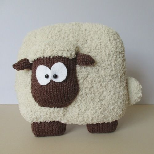 Makerist - Sheep Cushion - Knitting Showcase - 1