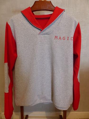Makerist - Sweat bi-goût rouge et gris - Créations de couture - 1