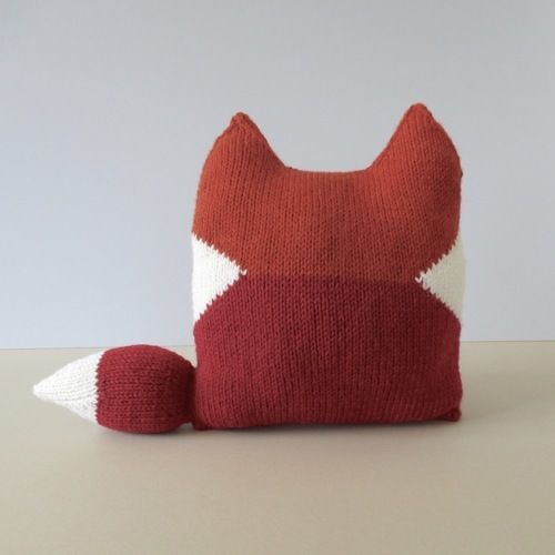 Makerist - Fox Cushion - Knitting Showcase - 2