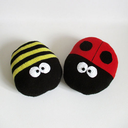 Makerist - Ladybird and Bee Cushions - Knitting Showcase - 2