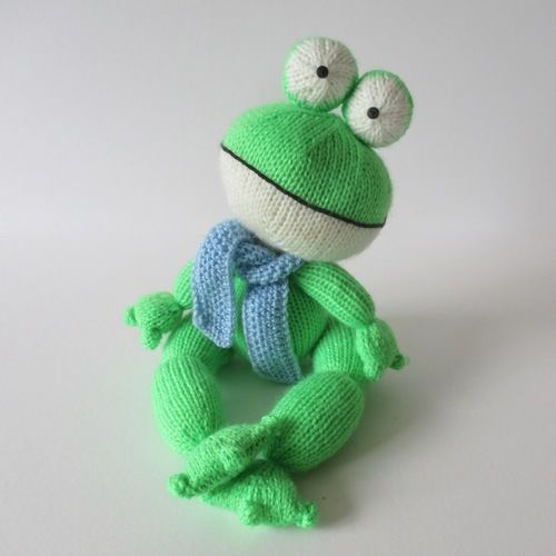 Makerist - Felix the Frog - Knitting Showcase - 1