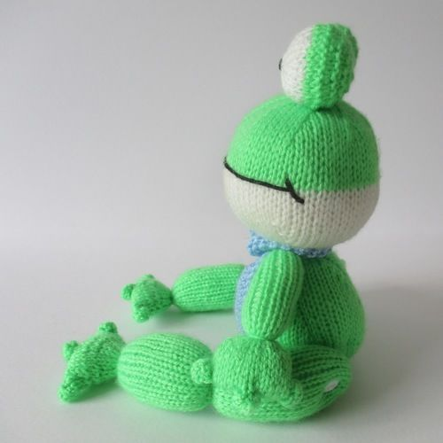 Makerist - Felix the Frog - Knitting Showcase - 2