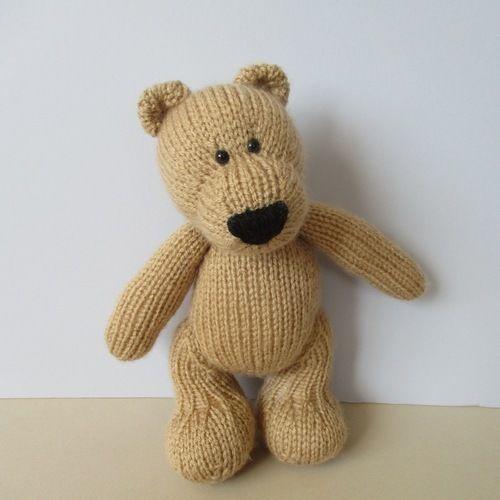 Makerist - Eddie Bear - Knitting Showcase - 1