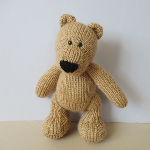 Makerist - Eddie Bear - Knitting Showcase - 2