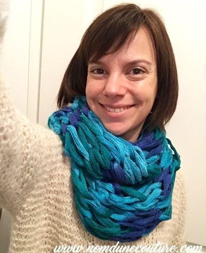 Makerist - Mon écharpe tricoté avec les bras - Créations de tricot - 1