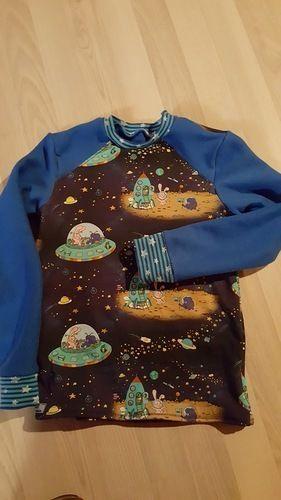 Makerist - Weltall Pullover mit Sternenbündchen - Nähprojekte - 1