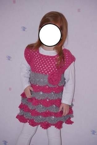 "Robe au crochet point fantaisie ""éventail"" taille 3 ans"