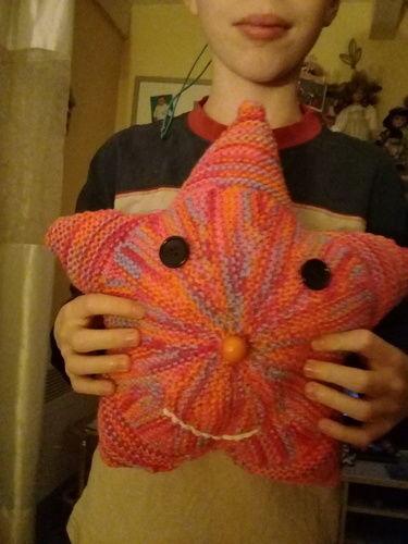 Makerist - Petit coussin en etoile - Créations de tricot - 2