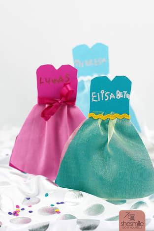 Makerist - Kleidchen-Karten - 1