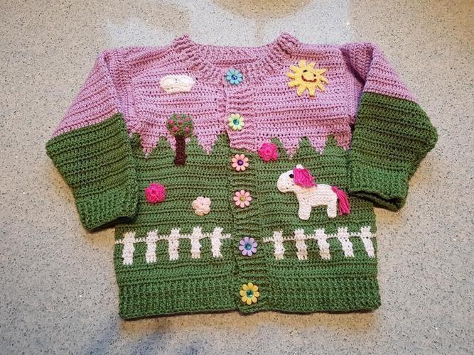 Makerist - Häkeljacke für Kleinkinder / Motiv Pferdekoppel - Häkelprojekte - 1
