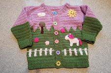 Makerist - Häkeljacke für Kleinkinder / Motiv Pferdekoppel - 1