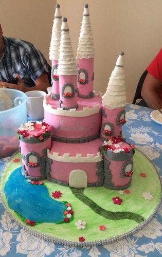 Makerist - Schloss Torte - Torten, Cake Pops und Cupcakes - 1