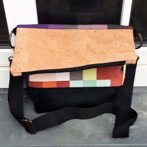 Makerist - Pixel Foldover - meine erste selbstgenähte Tasche - Nähprojekte - 3