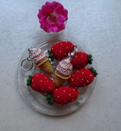 Makerist - Es ist wieder Erdbeer und Eiszeit  ;-) dazu ein Schwein Topflappen als Deko und Glücks bringer  - Häkelprojekte - 1