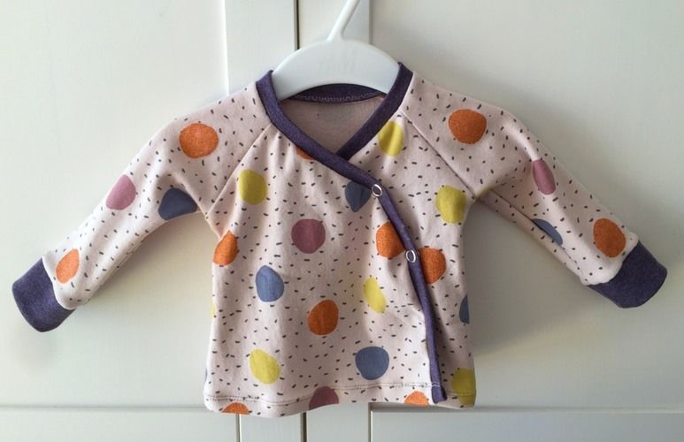 Makerist - Wickeljäckchen Gr. 56 aus Sommersweat für Mädchen - Nähprojekte - 1