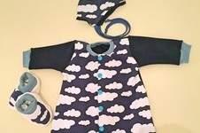 Makerist - Neugeborenen-Set (Gr. 50) für Jungs - Strampler, Mütze zum Binden, Babyschuhe - 1
