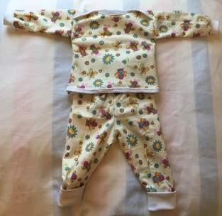 Mädchen-Schlafanzug Gr. 74