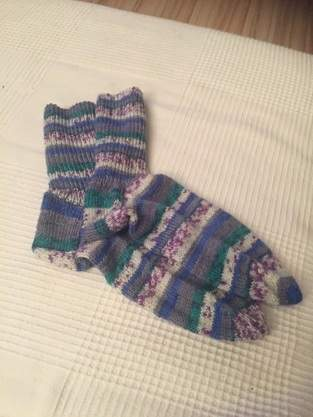 Meine Lieblingssocken gestrickt aus Regia Sockenwolle. Diese Socken hab ich mal mir gegönnt 😜