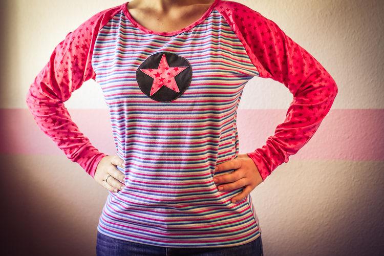 Makerist - Knallbuntes Shirt - Nähprojekte - 1