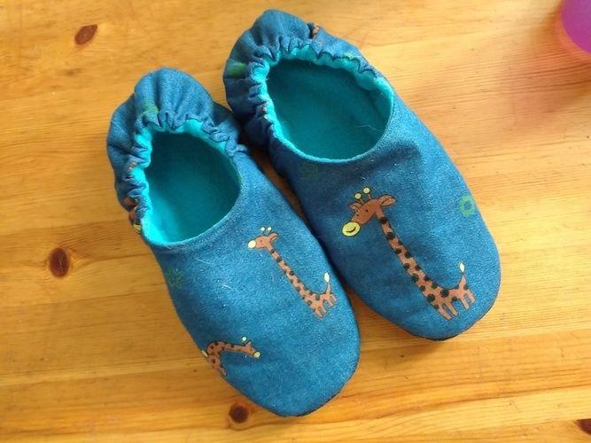 Makerist - PANTOFFELHELD aus Jeans und Fleece  für meine Tochter  - Nähprojekte - 1