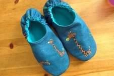 Makerist - PANTOFFELHELD aus Jeans und Fleece  für meine Tochter  - 1